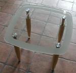 τραπέζι από γυαλί